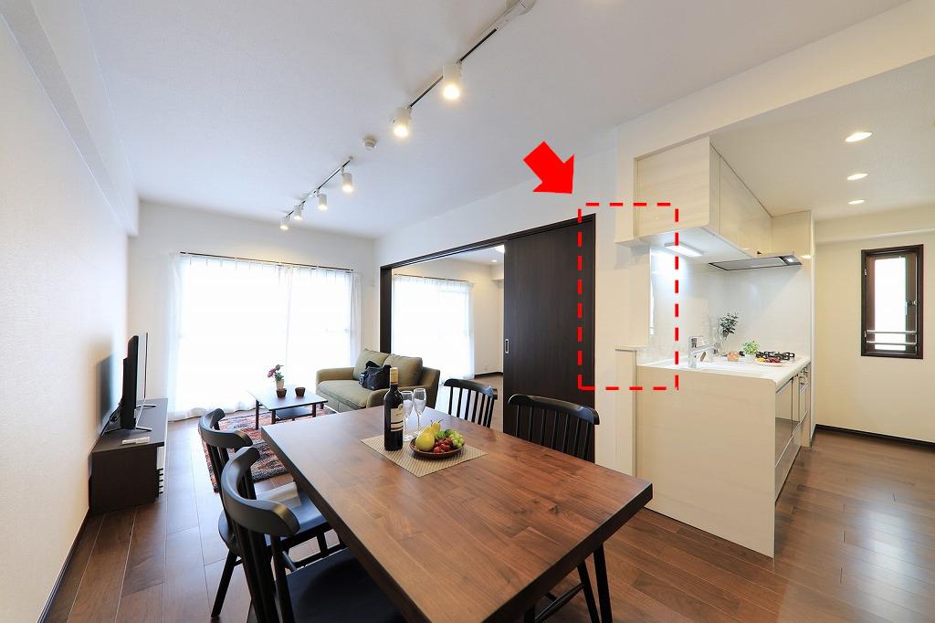 キッチンをさらに機能的に追加リノベーションしました(赤い点線部分です)